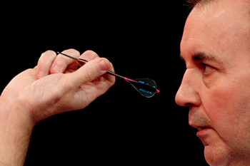 Phil+Taylor+2011+Ladbrokes+com+World+Darts+P6OIyJoDsmVl.jpg
